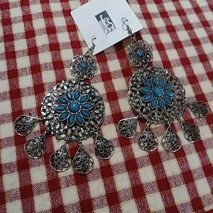 "Jewelry - Vintage ""BoHo"" Chandelier Silver Tone. Earrings"